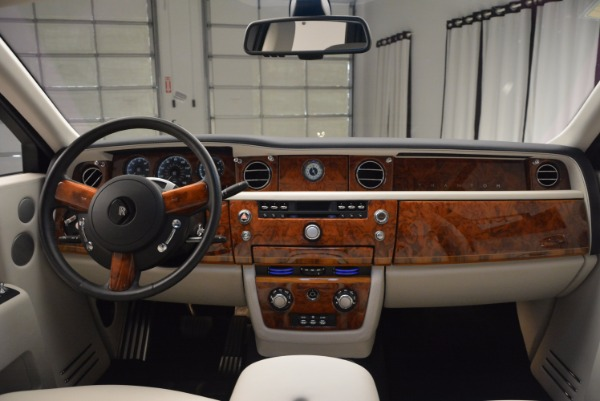 Used 2011 Rolls-Royce Phantom for sale Sold at Alfa Romeo of Greenwich in Greenwich CT 06830 16