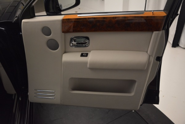 Used 2011 Rolls-Royce Phantom for sale Sold at Alfa Romeo of Greenwich in Greenwich CT 06830 17