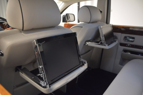 Used 2011 Rolls-Royce Phantom for sale Sold at Alfa Romeo of Greenwich in Greenwich CT 06830 21