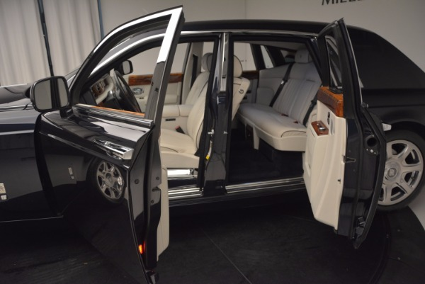 Used 2011 Rolls-Royce Phantom for sale Sold at Alfa Romeo of Greenwich in Greenwich CT 06830 5