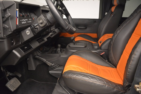 Used 1997 Land Rover Defender 90 for sale Sold at Alfa Romeo of Greenwich in Greenwich CT 06830 14