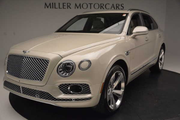 Used 2017 Bentley Bentayga for sale Sold at Alfa Romeo of Greenwich in Greenwich CT 06830 13