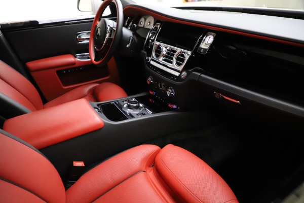 Used 2017 Rolls-Royce Ghost for sale $209,900 at Alfa Romeo of Greenwich in Greenwich CT 06830 17