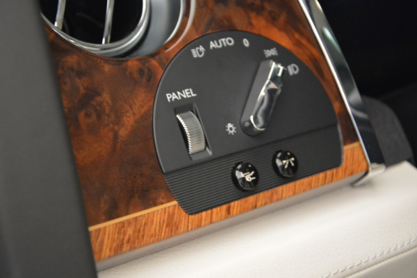 Used 2013 Rolls-Royce Ghost for sale Sold at Alfa Romeo of Greenwich in Greenwich CT 06830 27