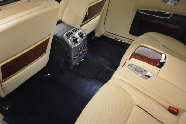 Used 2016 Rolls-Royce Ghost EWB for sale Sold at Alfa Romeo of Greenwich in Greenwich CT 06830 27