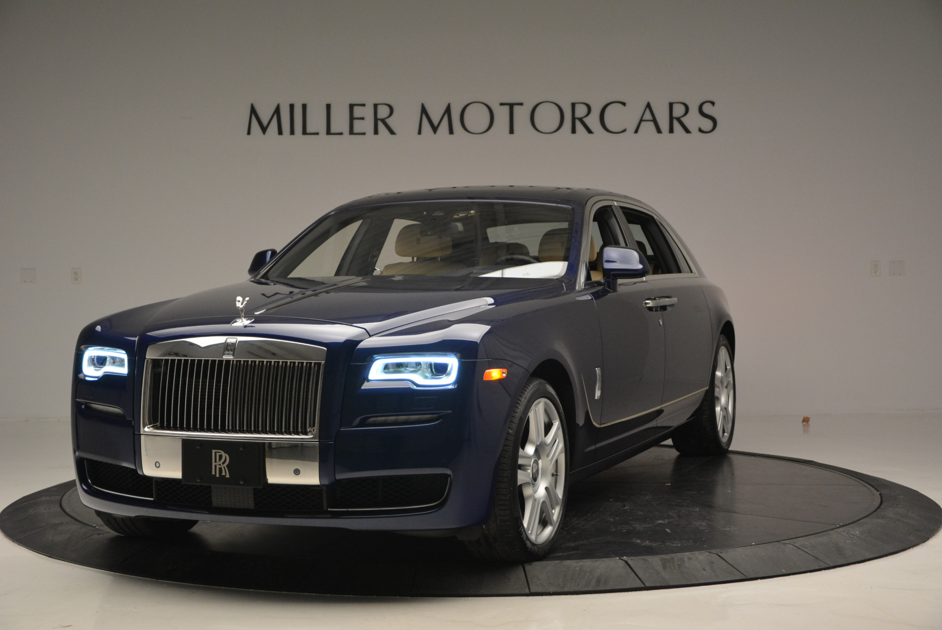Used 2016 Rolls-Royce Ghost EWB for sale Sold at Alfa Romeo of Greenwich in Greenwich CT 06830 1