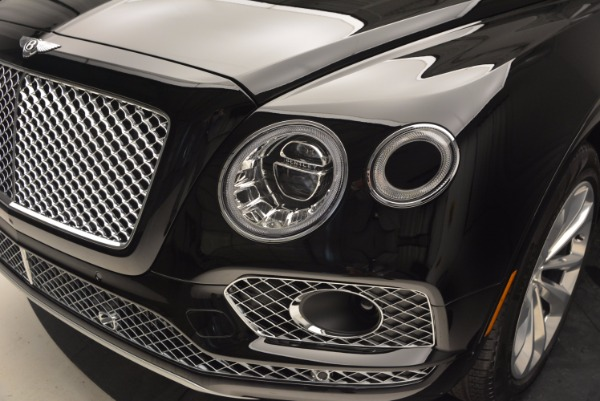 Used 2017 Bentley Bentayga for sale Sold at Alfa Romeo of Greenwich in Greenwich CT 06830 15