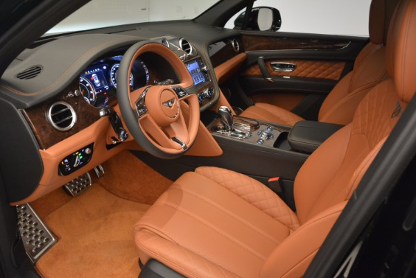 Used 2017 Bentley Bentayga for sale Sold at Alfa Romeo of Greenwich in Greenwich CT 06830 25