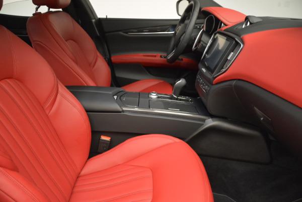 Used 2017 Maserati Ghibli S Q4 for sale $51,900 at Alfa Romeo of Greenwich in Greenwich CT 06830 21