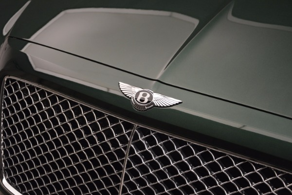 Used 2017 Bentley Bentayga W12 for sale $139,900 at Alfa Romeo of Greenwich in Greenwich CT 06830 18