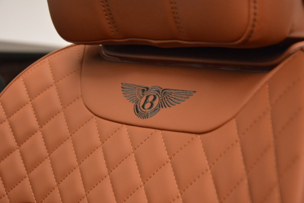 Used 2017 Bentley Bentayga W12 for sale $139,900 at Alfa Romeo of Greenwich in Greenwich CT 06830 28