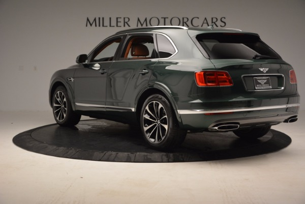 Used 2017 Bentley Bentayga W12 for sale $139,900 at Alfa Romeo of Greenwich in Greenwich CT 06830 5