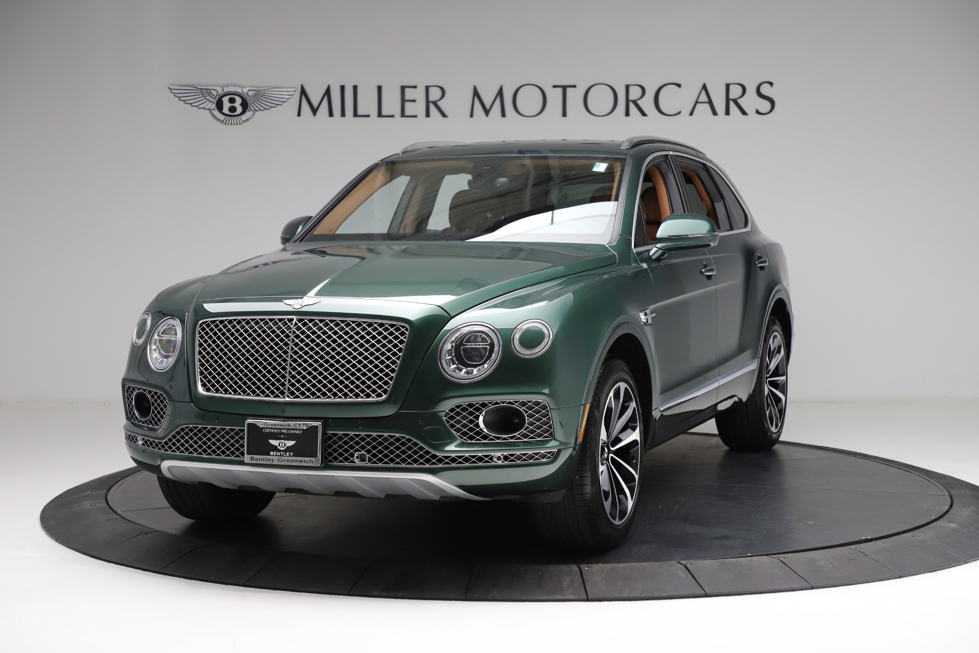 Used 2017 Bentley Bentayga W12 for sale $139,900 at Alfa Romeo of Greenwich in Greenwich CT 06830 1