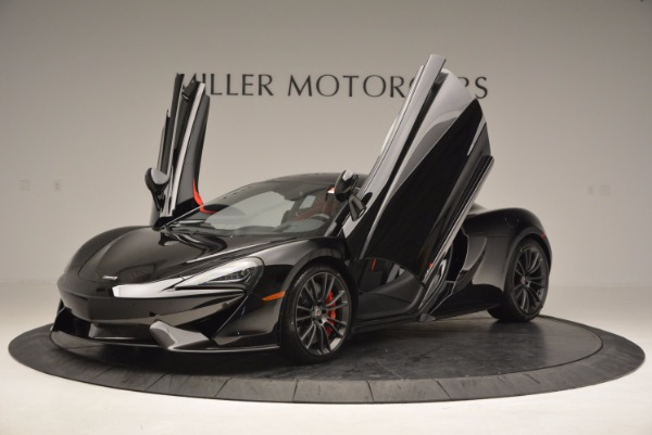 Used 2017 McLaren 570S for sale $149,900 at Alfa Romeo of Greenwich in Greenwich CT 06830 12