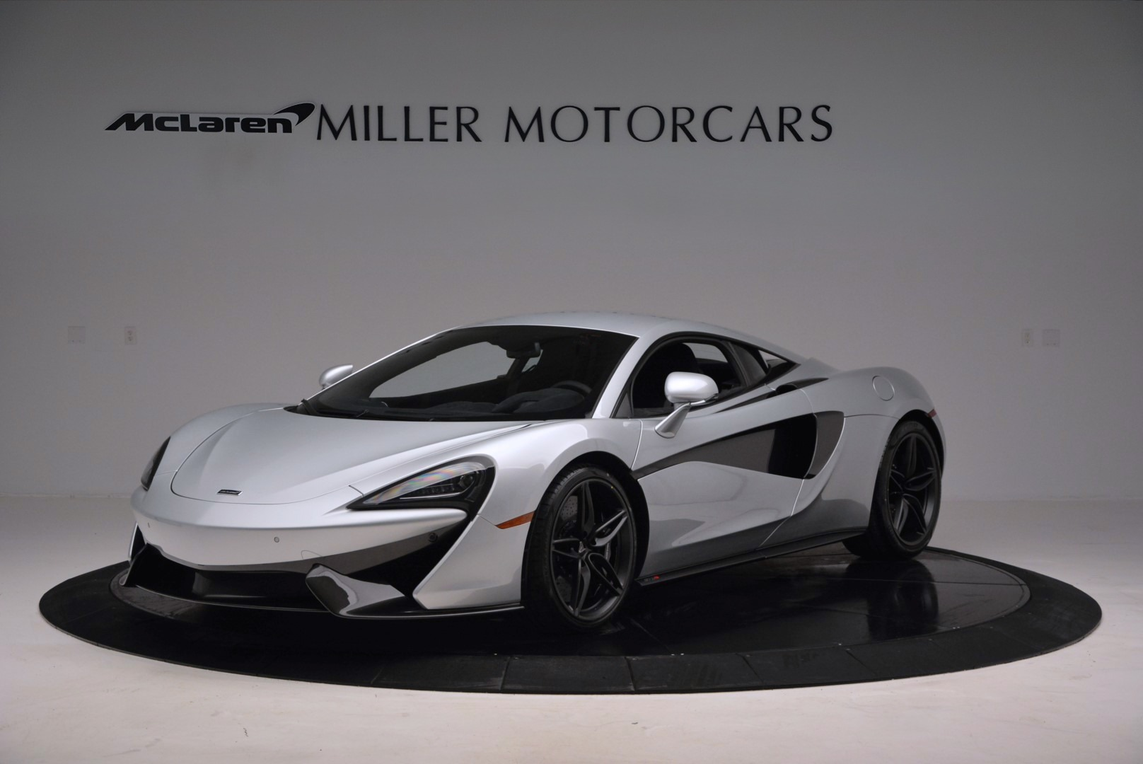 Used 2017 McLaren 570S Coupe for sale $149,900 at Alfa Romeo of Greenwich in Greenwich CT 06830 1