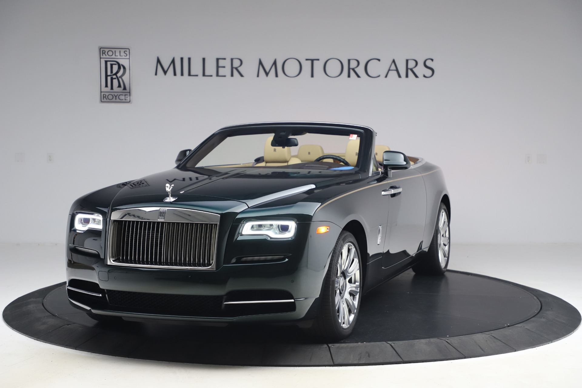 Used 2017 Rolls-Royce Dawn for sale Sold at Alfa Romeo of Greenwich in Greenwich CT 06830 1