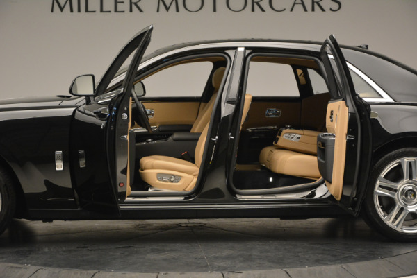 Used 2016 Rolls-Royce Ghost for sale Sold at Alfa Romeo of Greenwich in Greenwich CT 06830 16