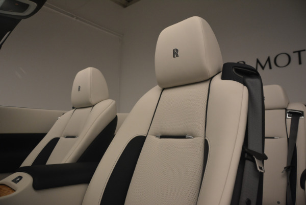 Used 2017 Rolls-Royce Dawn for sale Sold at Alfa Romeo of Greenwich in Greenwich CT 06830 27