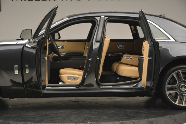 Used 2017 Rolls-Royce Ghost for sale Sold at Alfa Romeo of Greenwich in Greenwich CT 06830 15