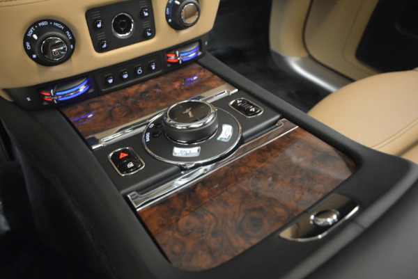 Used 2017 Rolls-Royce Ghost for sale Sold at Alfa Romeo of Greenwich in Greenwich CT 06830 24