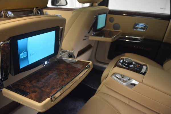 Used 2017 Rolls-Royce Ghost for sale Sold at Alfa Romeo of Greenwich in Greenwich CT 06830 28