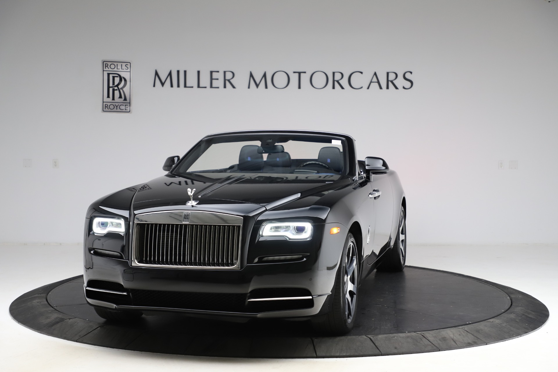 Used 2017 Rolls-Royce Dawn for sale $229,900 at Alfa Romeo of Greenwich in Greenwich CT 06830 1