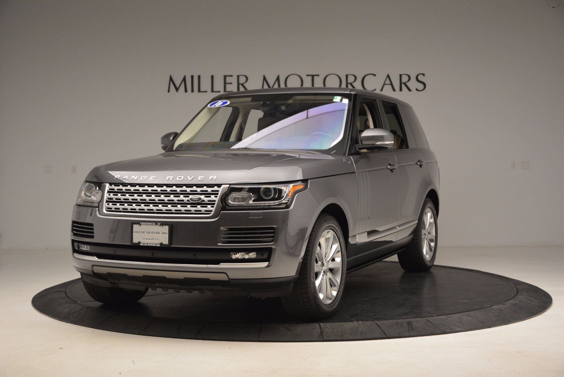 Used 2016 Land Rover Range Rover HSE TD6 for sale Sold at Alfa Romeo of Greenwich in Greenwich CT 06830 1