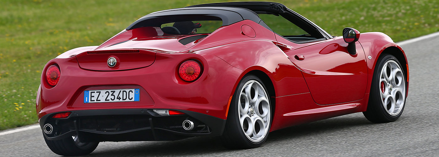 Alfa Romeo 4C Spider Video